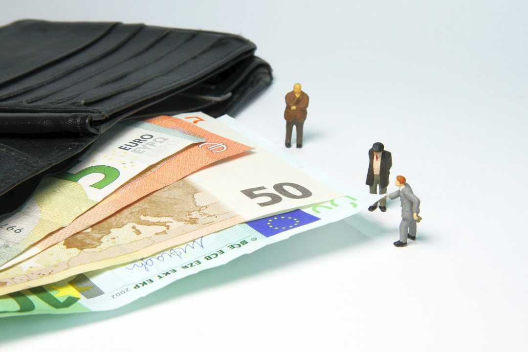 Kein Betrug bei Arbeitslosmeldung und rechtswidrigem BAB-Weiterbezug
